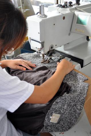 Choose a Knitting Machine